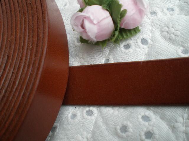 画像1: 幅約2C 日本製 チャ色のヌメ皮 1M