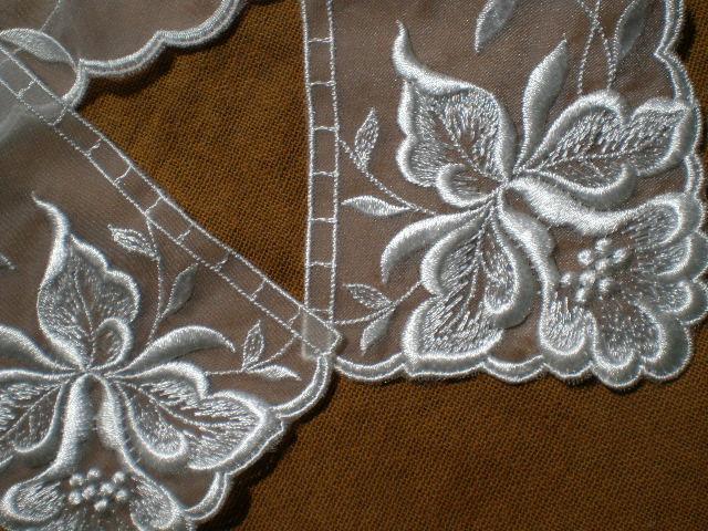 画像2: テーラー衿 オフシロのエレガントなオーガンジの襟レース