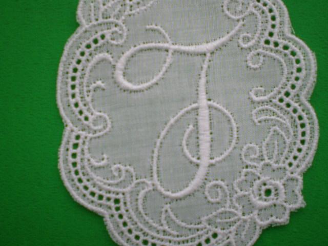 画像1: T 繊細な綿のイニシャルモチーフ