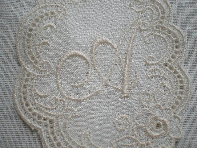 画像1: A レース工房太陽のオリジナル・キナリの繊細な綿のイニシャルモチーフ