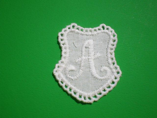 画像1: A 綿のプチイニシャルモチーフ 3枚入り