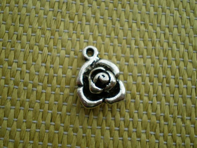 画像3: 人気のチャーム アンテイーク調な薔薇 1個