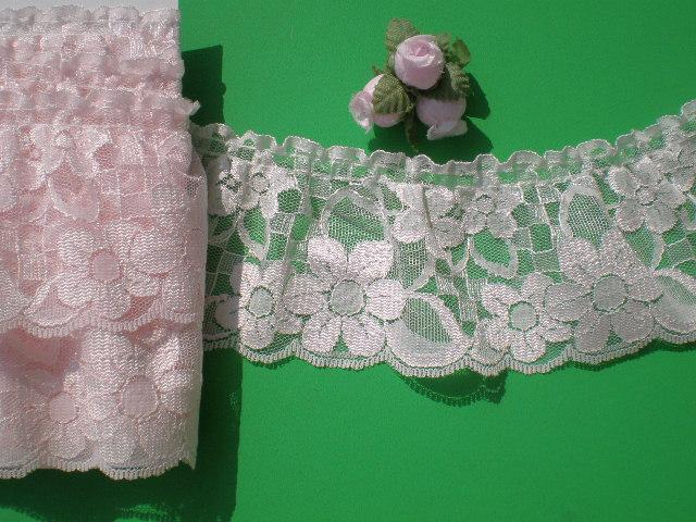 画像1: 値引きしました!!! 幅約7.2c 淡いピンクのエレガントな可愛い花柄のフリル 5M