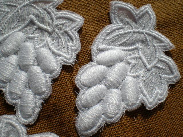 画像1: 立体的な人気のグレープ柄 シロの綿アップリケレース 5枚入り