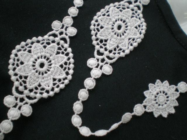 画像1: ちょっと贅沢な流行の綿ケミカルのアクセサリーレース 約90c