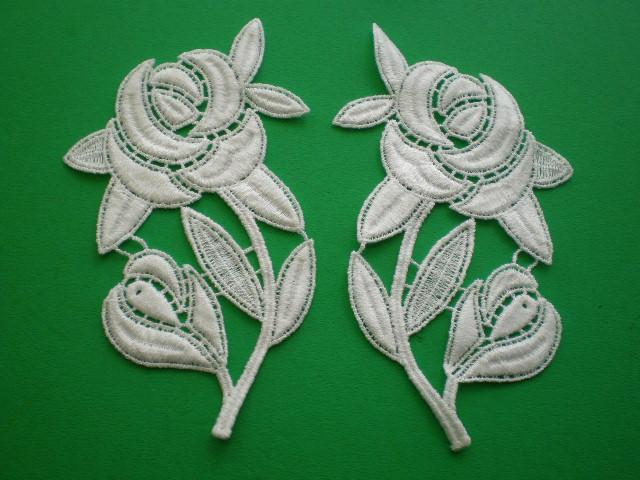 画像1: オフシロの薔薇柄の綿ケミカルのモチーフ 2組4枚入り