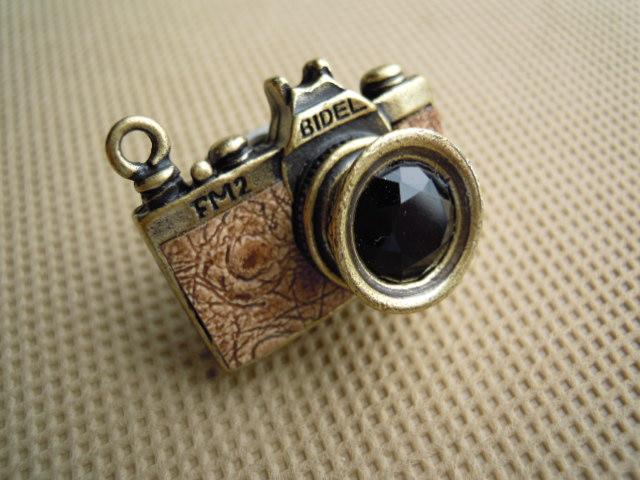 画像1: 人気のチャーム アンテイーク調なカメラ チャ 1個