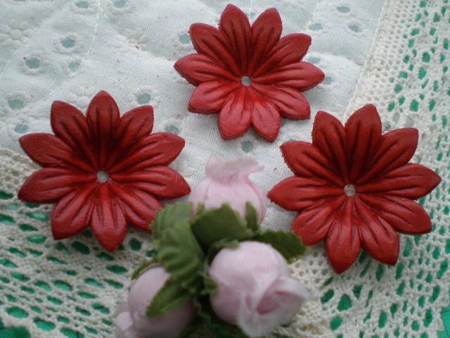 画像1: 約4c 日本製 アカ色のヌメ皮 花柄モチーフ 3個入り