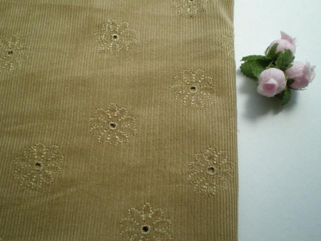 画像1: お買い得!ベージュの花柄・綿のコールテンレース・1.5M