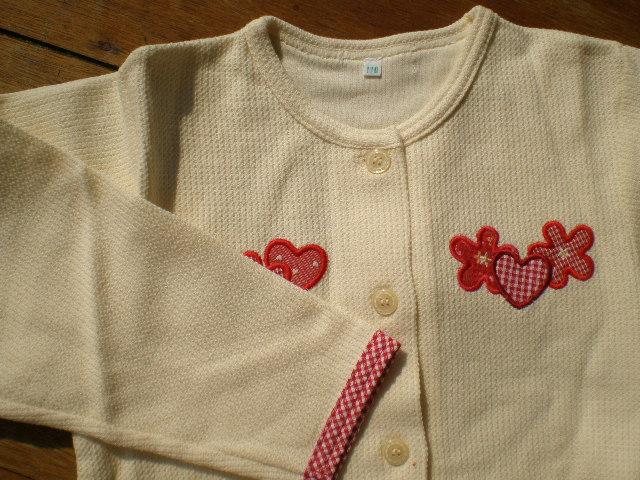 画像1: 綿の生成りのニットの子供服 サイズ120